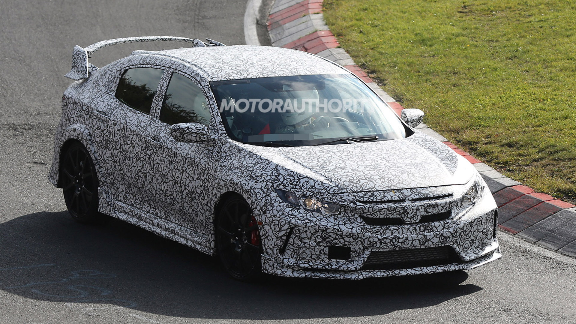 2018 Honda Civic Type R spy shots - Image via S. Baldauf/SB-Medien