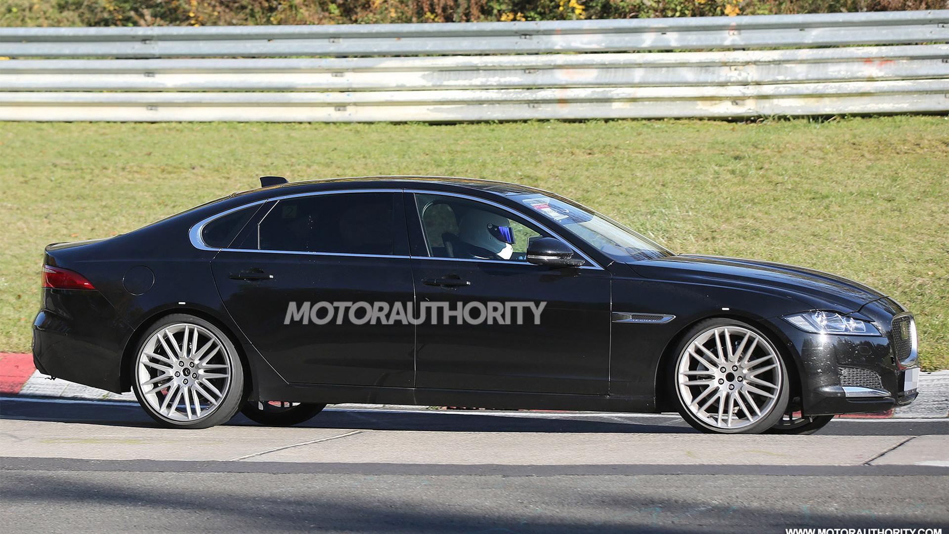 2016 Jaguar XF LWB spy shots - Image via S. Baldauf/SB-Medien