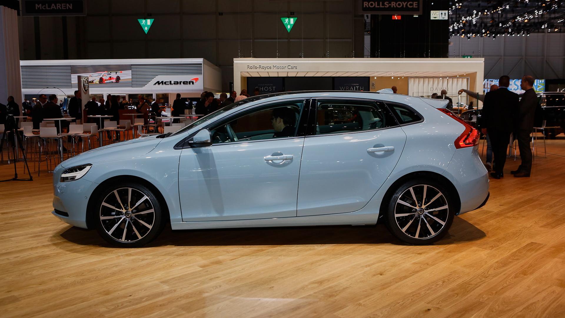 2017 Volvo V40, 2016 Geneva Motor Show