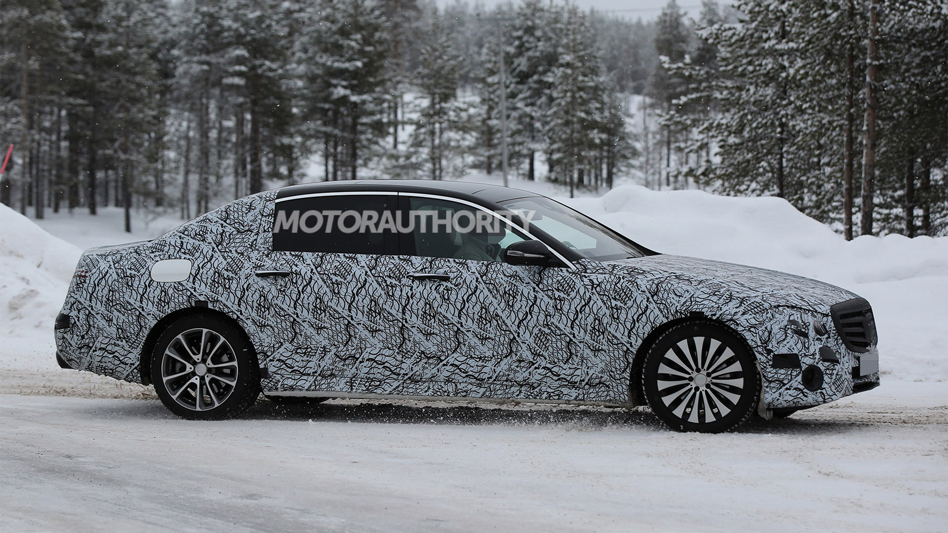 2017 Mercedes Maybach E-Class spy shots - Image via S. Baldauf/SB-Medien