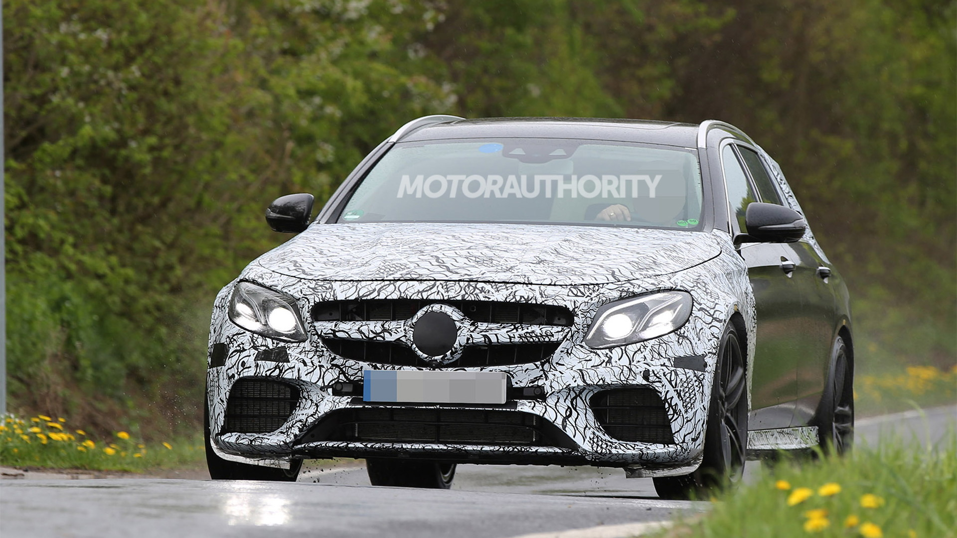 2017 Mercedes-AMG E63 Wagon (Estate) spy shots - Image via S. Baldauf/SB-Medien