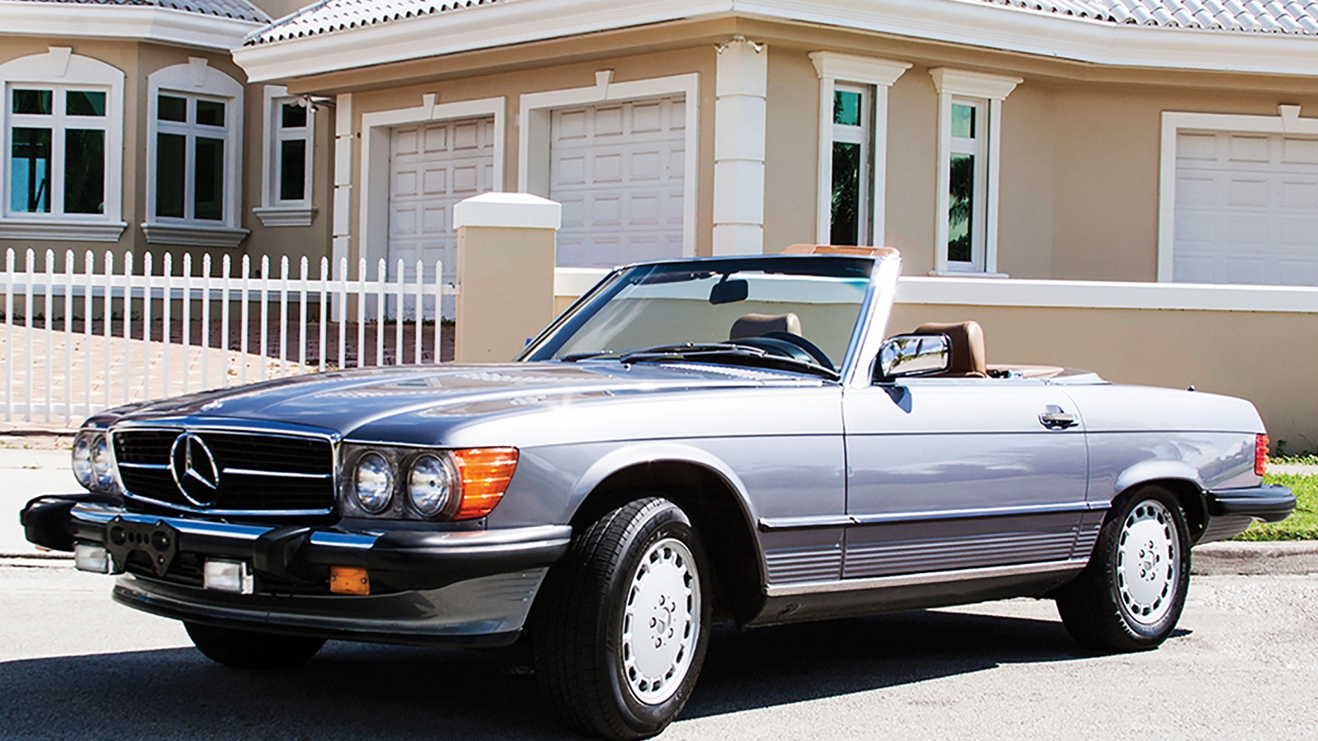 1987 Mercedes-Benz 560SL, photo: Auctions America