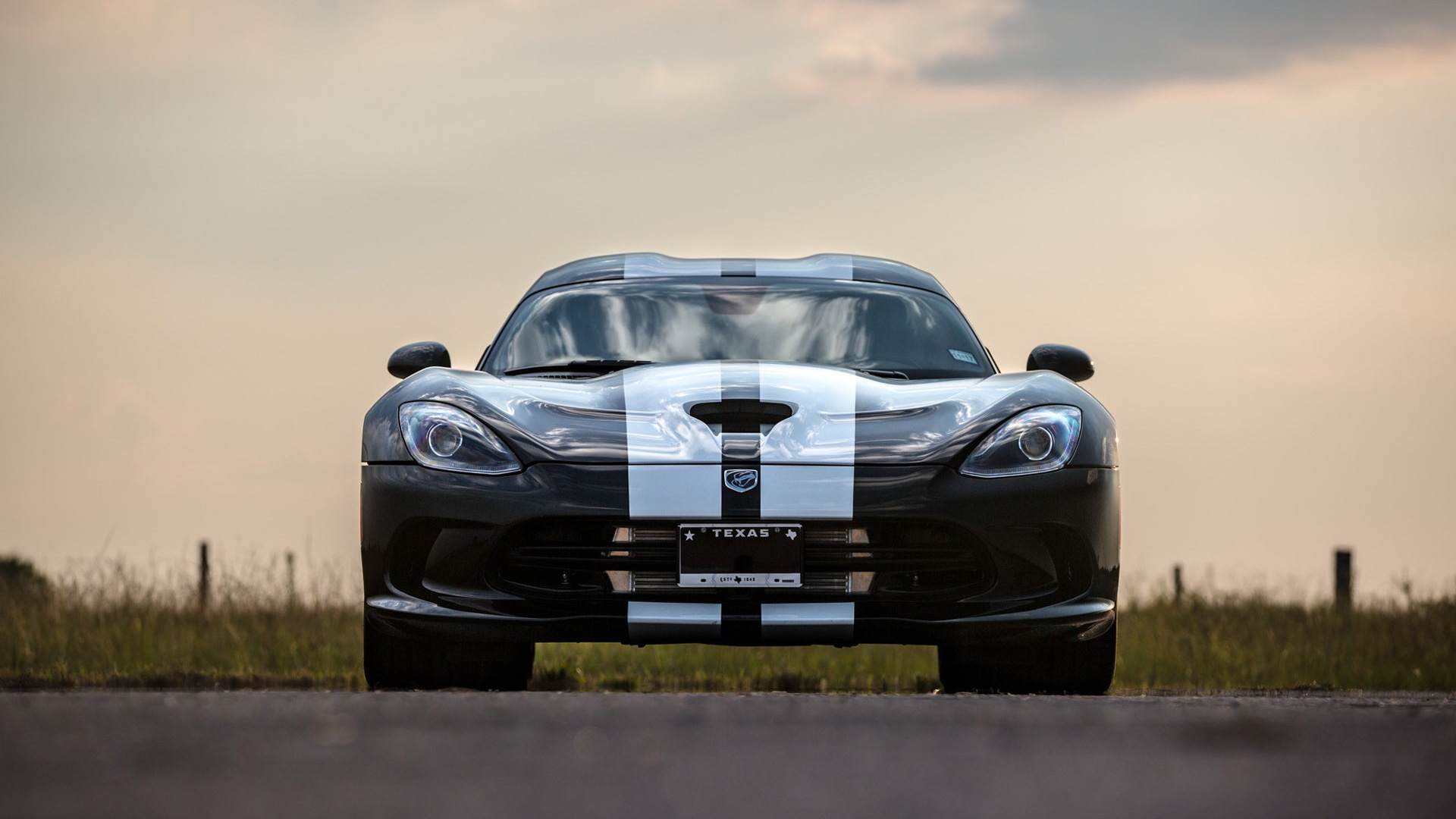 2016 Dodge Viper Venom 800 by Hennessey Performance Engineering