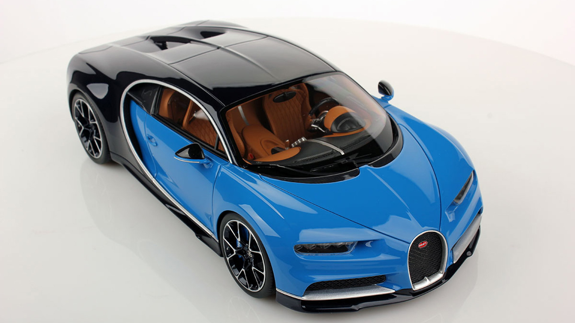 Bugatti Chiron.  1:18 MR Collection Models的比例模型