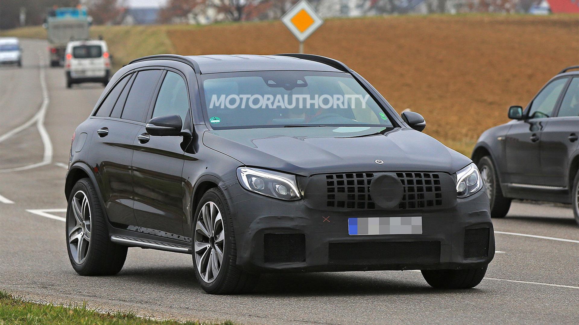 2018 Mercedes-AMG GLC63 spy shots - Image via S. Baldauf/SB-Medien