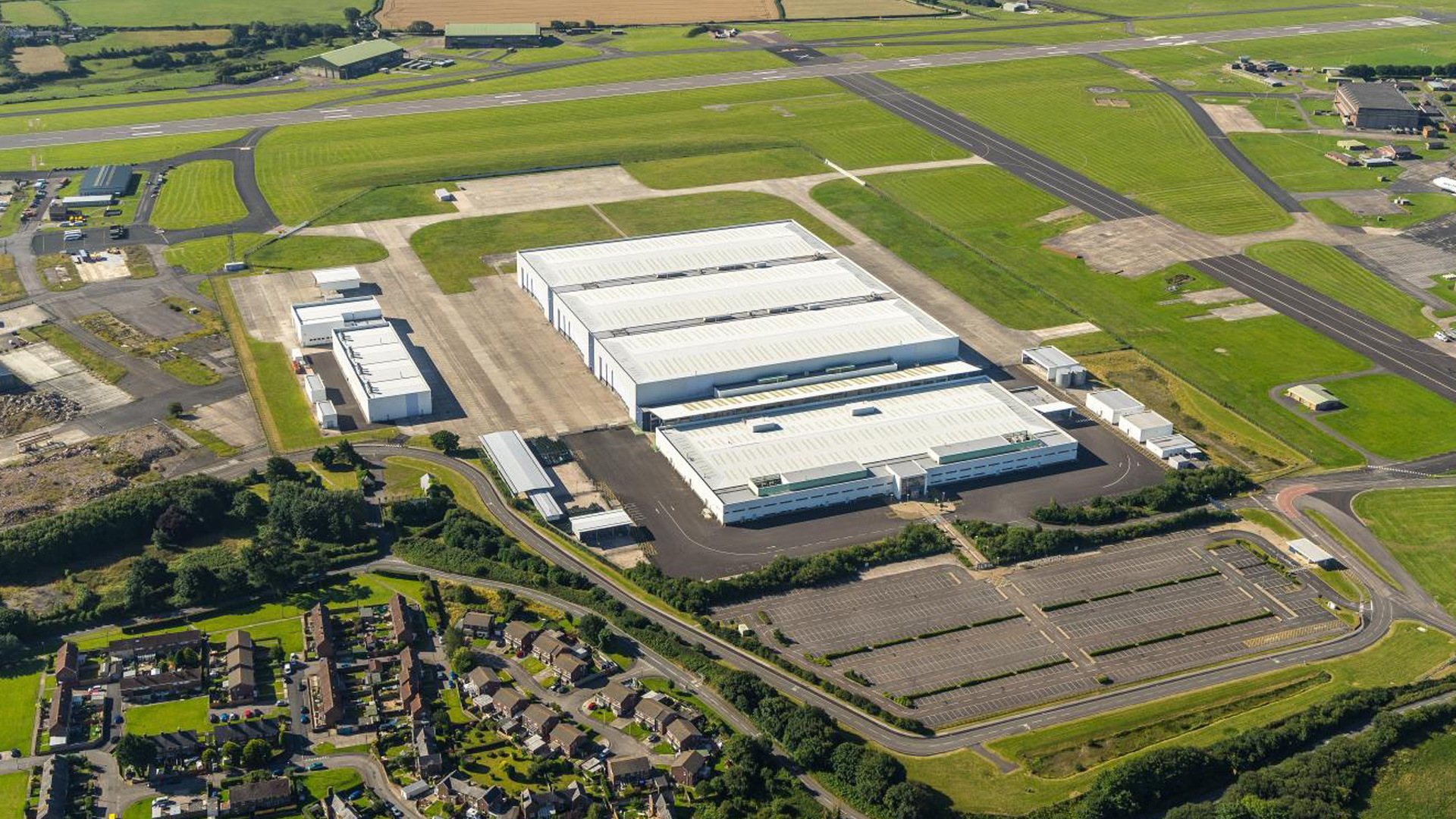 Aircraft hangar in St Athan, Wales to be converted into Aston Martin plant