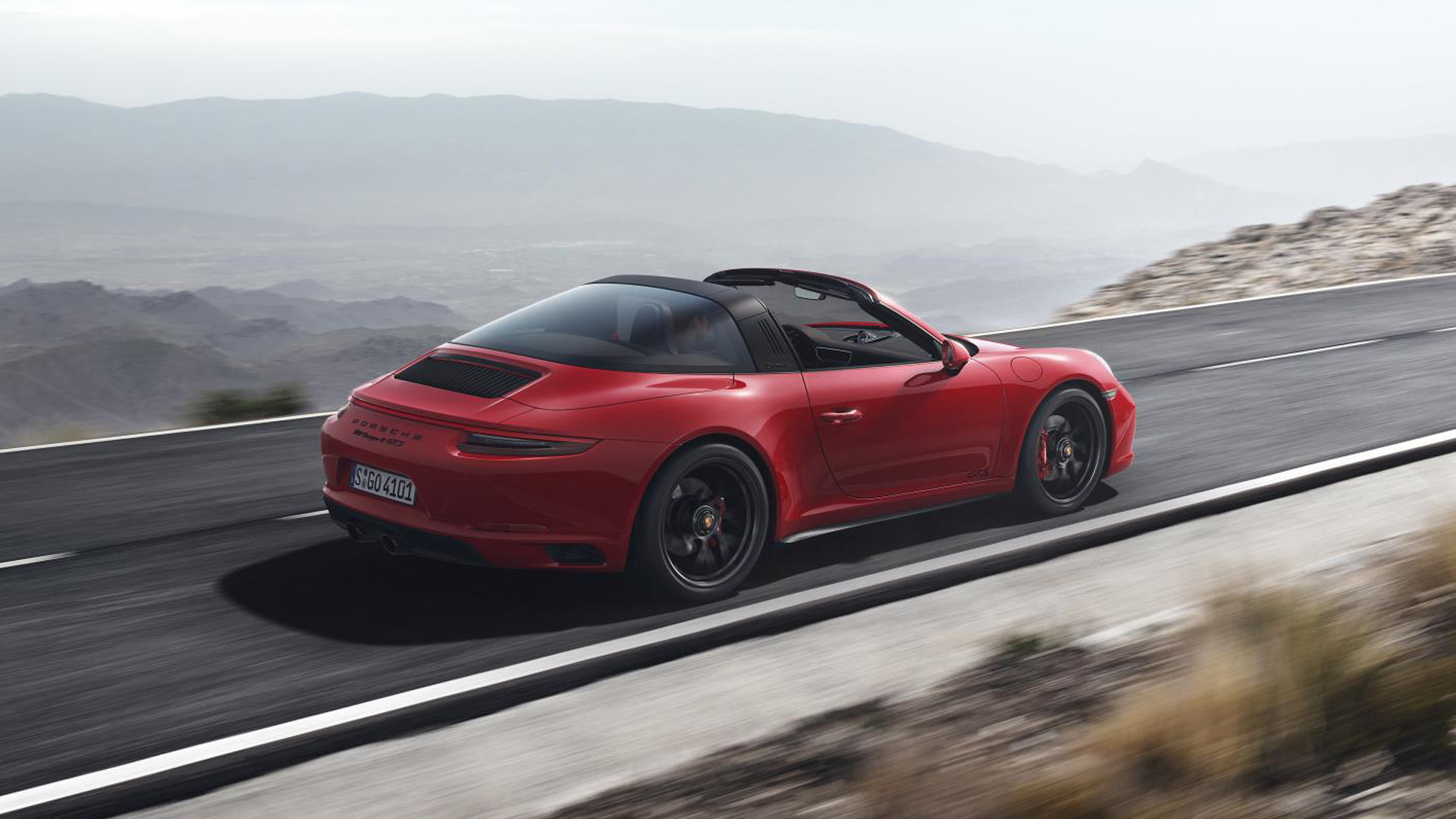 2017 Porsche 911 Carrera 4 GTS Targa