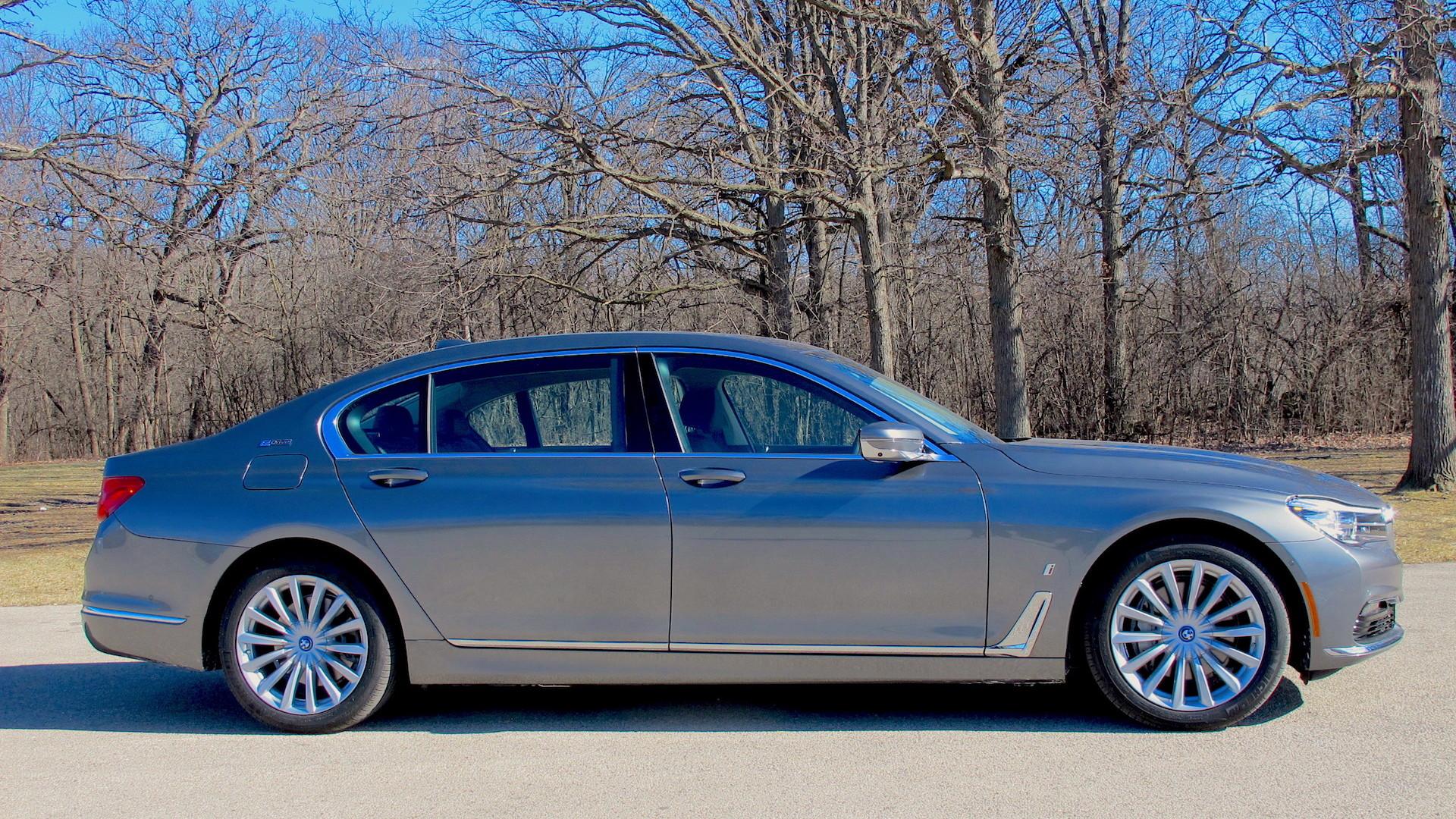 2017 BMW 740e xDrive