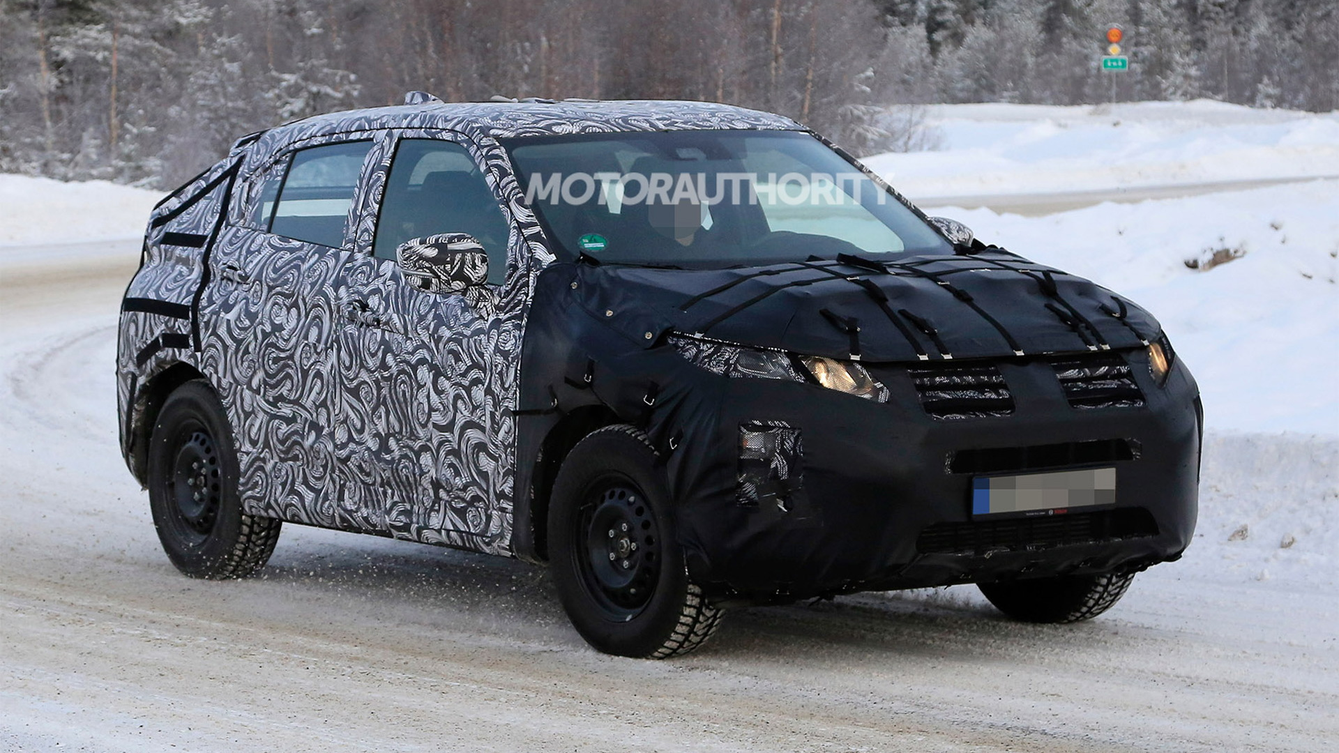 2018 Mitsubishi Eclipse Cross spy shots - Image via S. Baldauf/SB-Medien