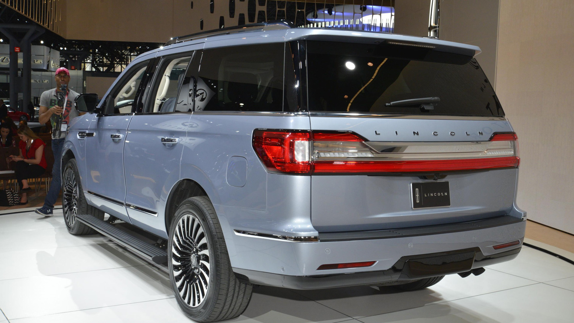 2018 Lincoln Navigator, 2017 New York auto show