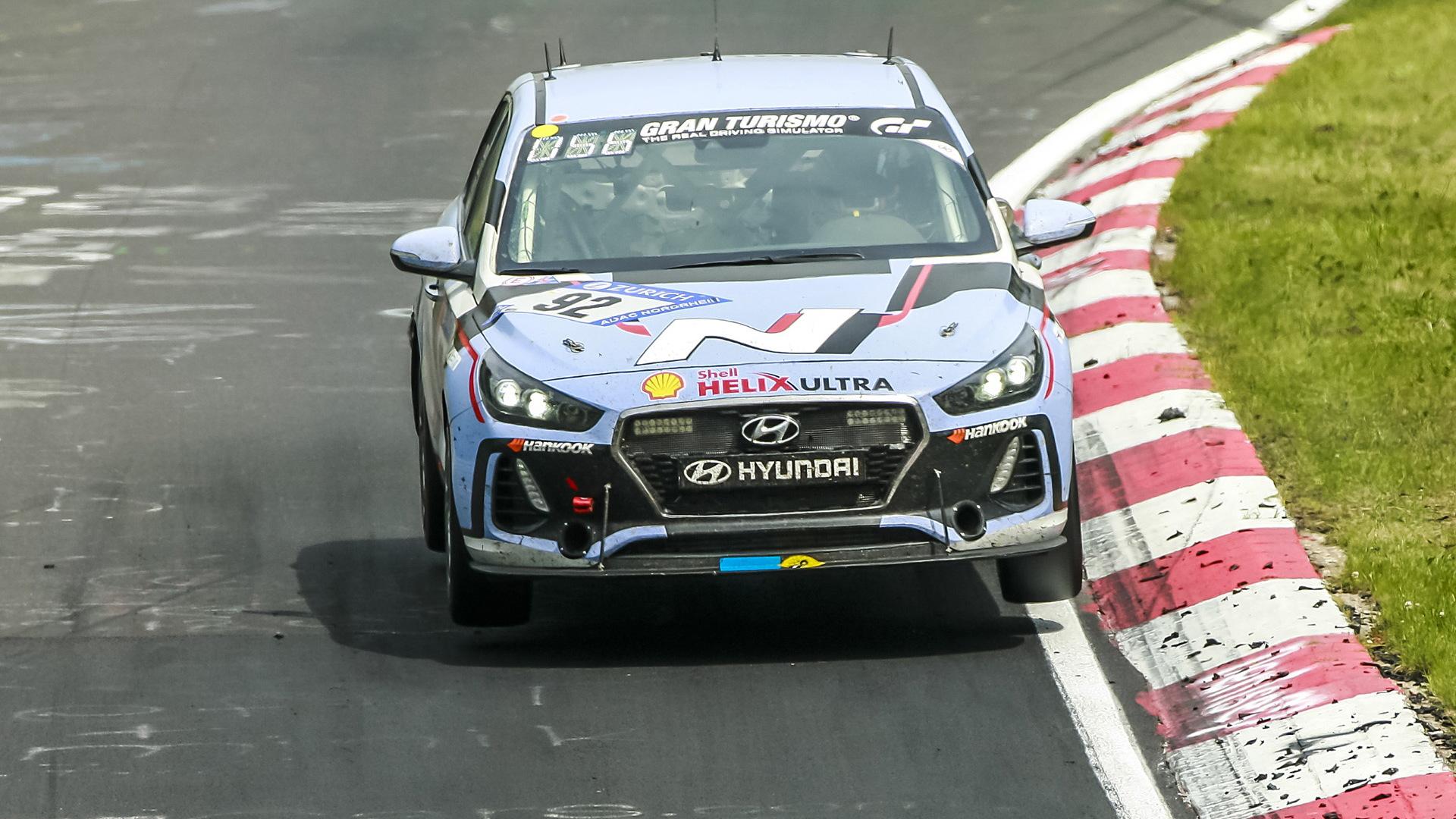 2018 Hyundai i30 N races in the 2017 24 Hours Nürburgring