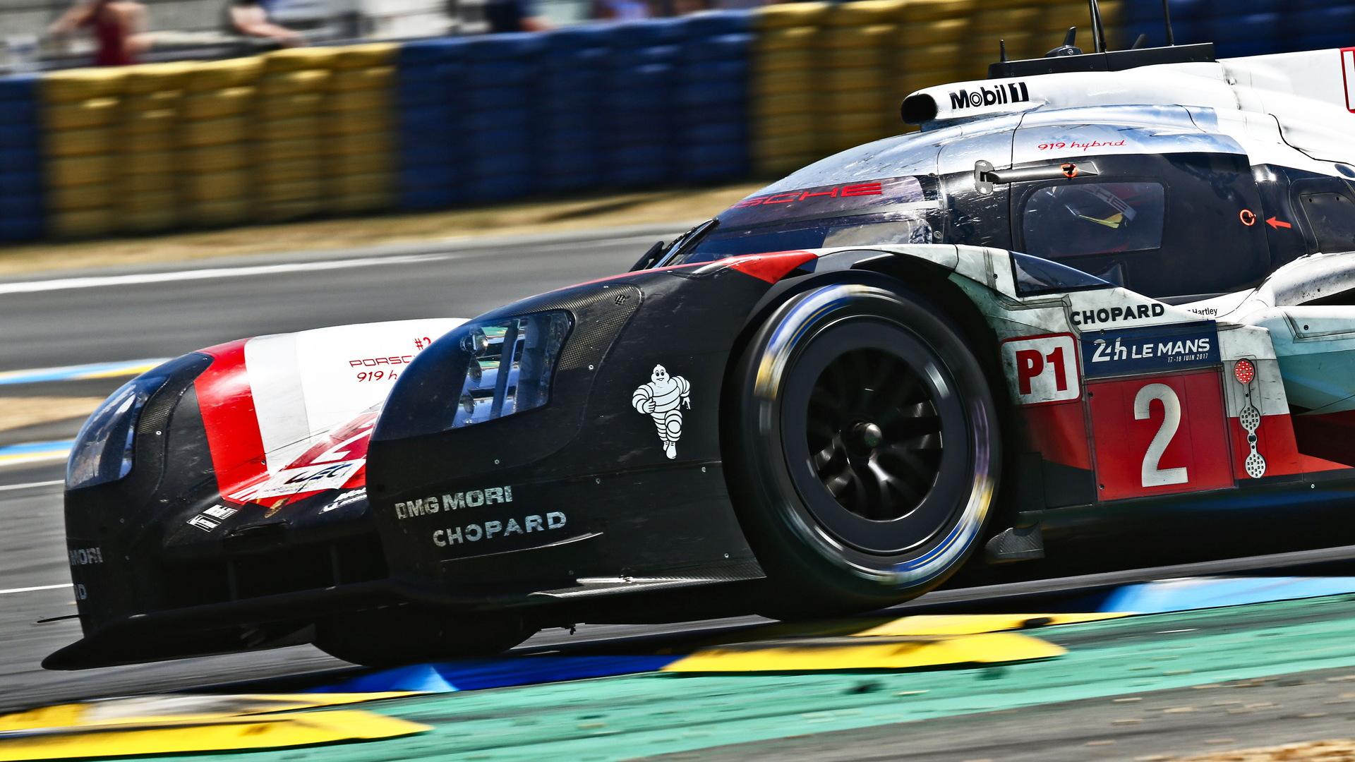 No. 2 Porsche 919 Hybrid LMP1 at the 2017 24 Hours of Le Mans