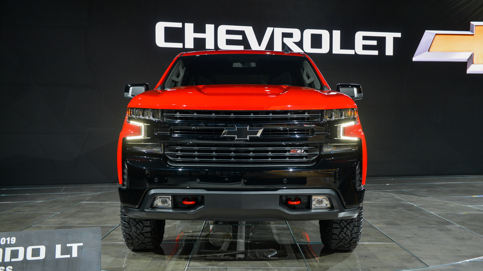 2019 Chevy Silverado: how a big, thirsty pickup gets more ...