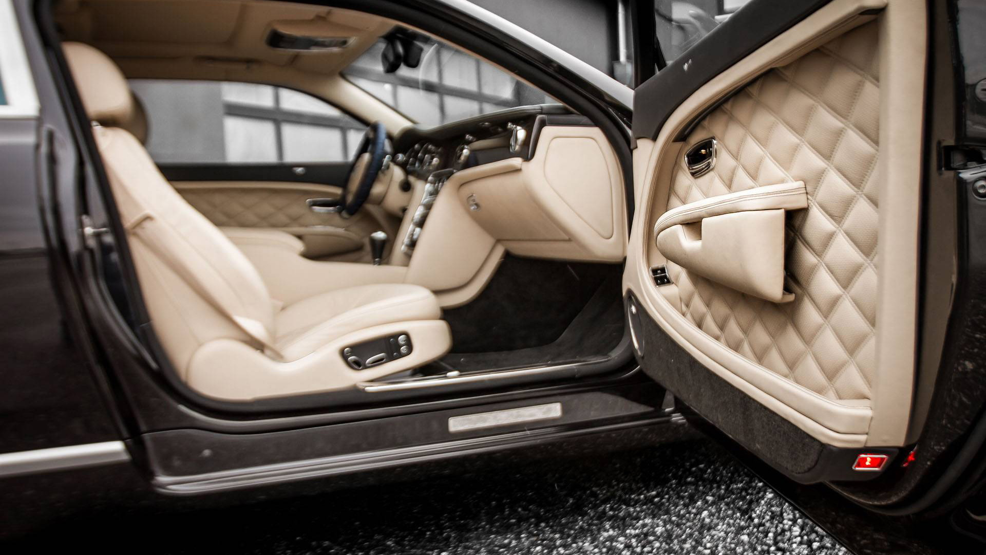 Ares Mulsanne Coupe