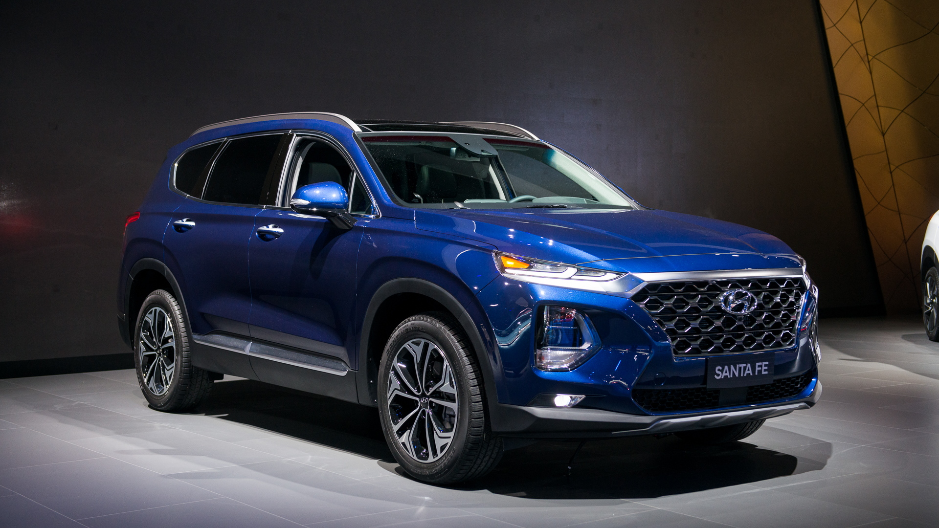 2019 Hyundai Santa Fe launched with diesel