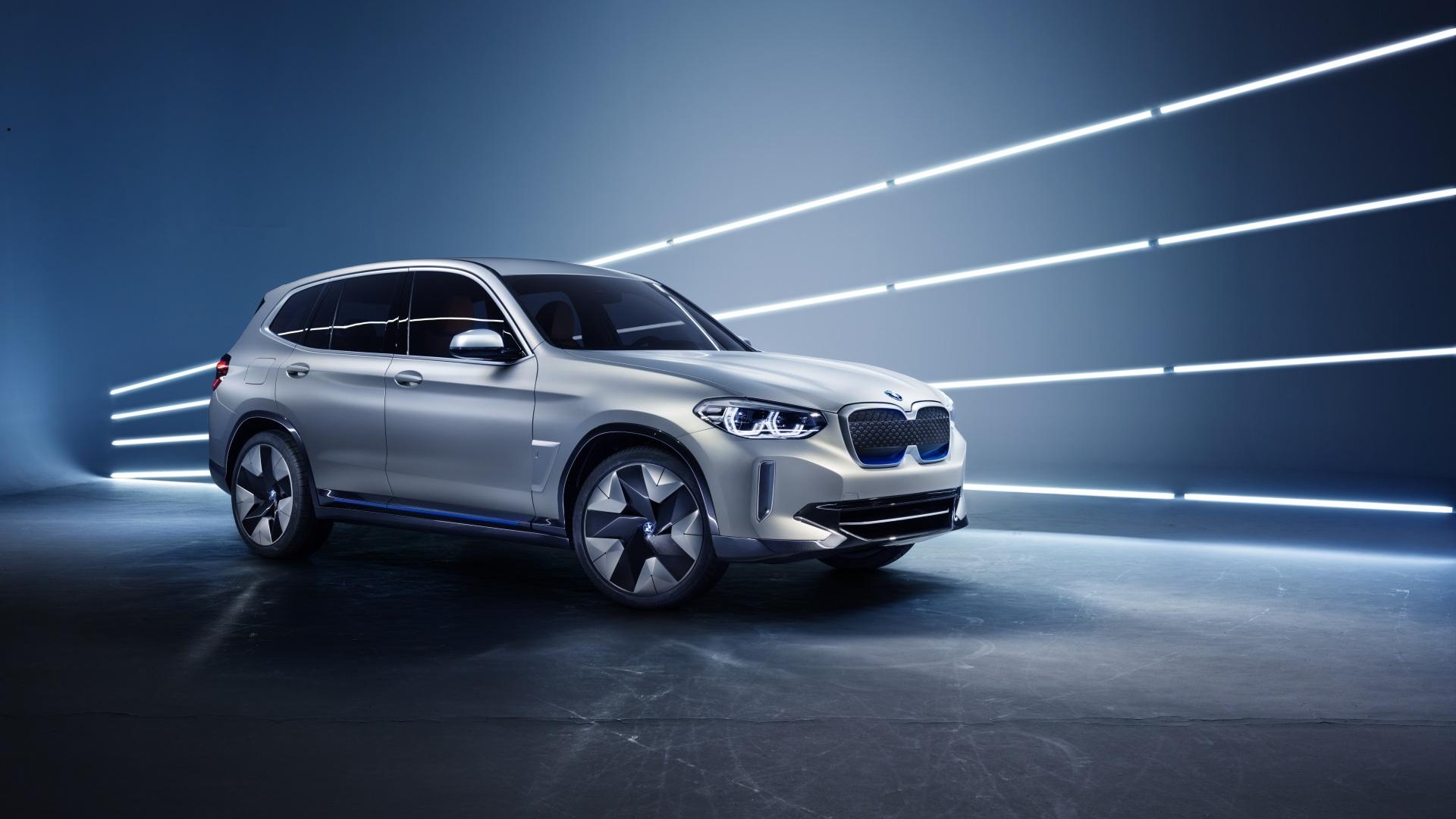 BMW iX3 Concept front 3/4