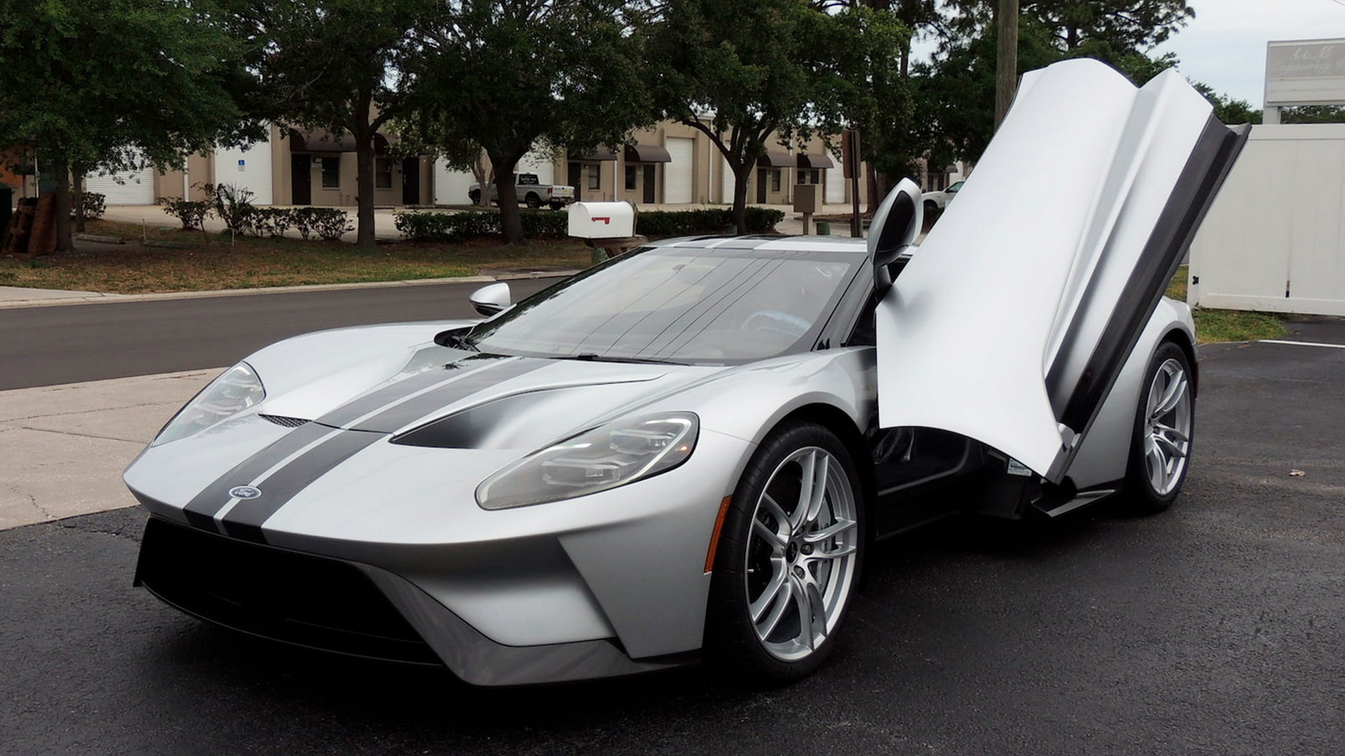 Ford Gt Sold At Mecum Auction For