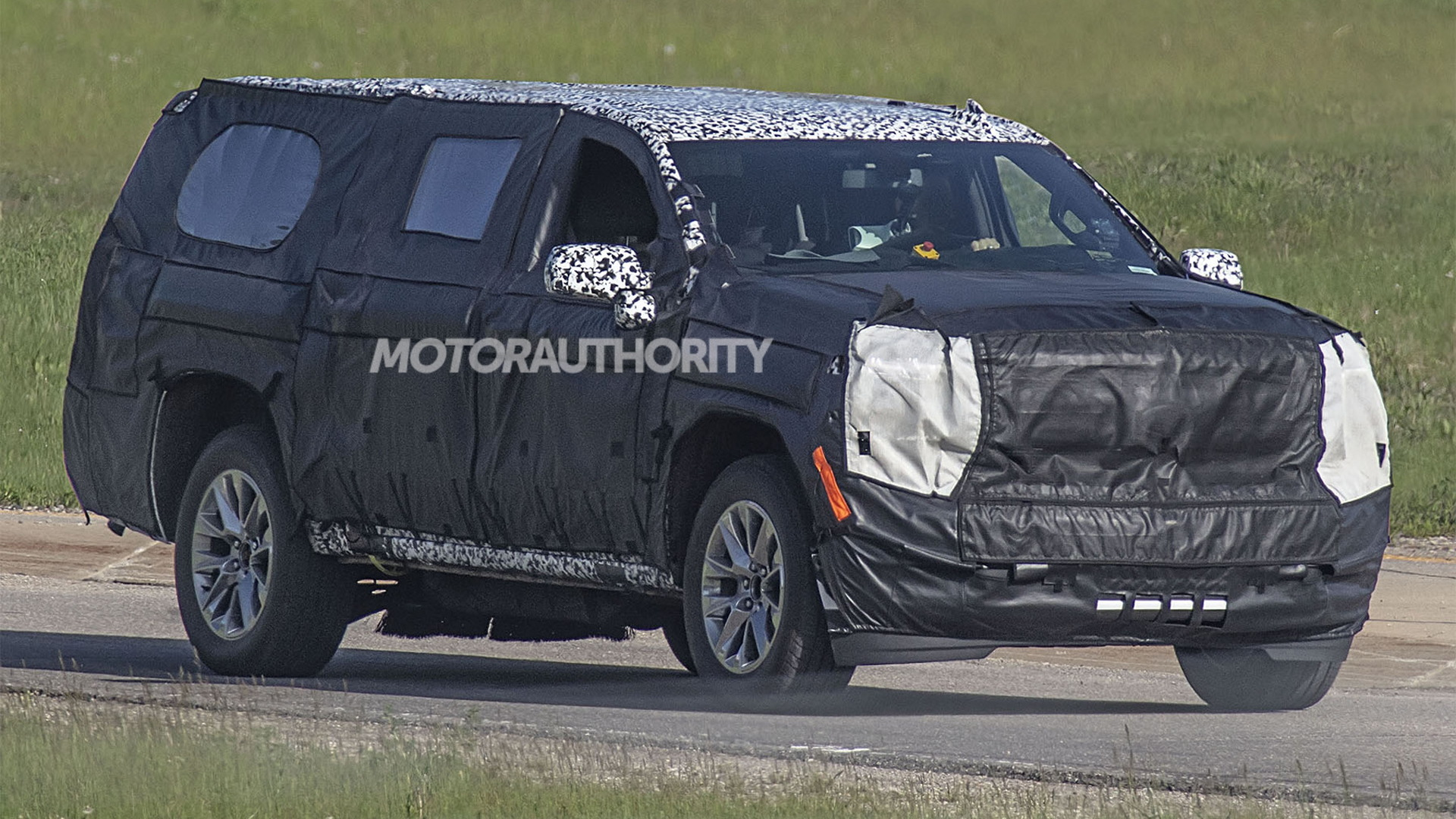 2021 Chevrolet Tahoe And Suburban Could Be Next-gen Models >> 2021 Chevrolet Suburban Spy Shots