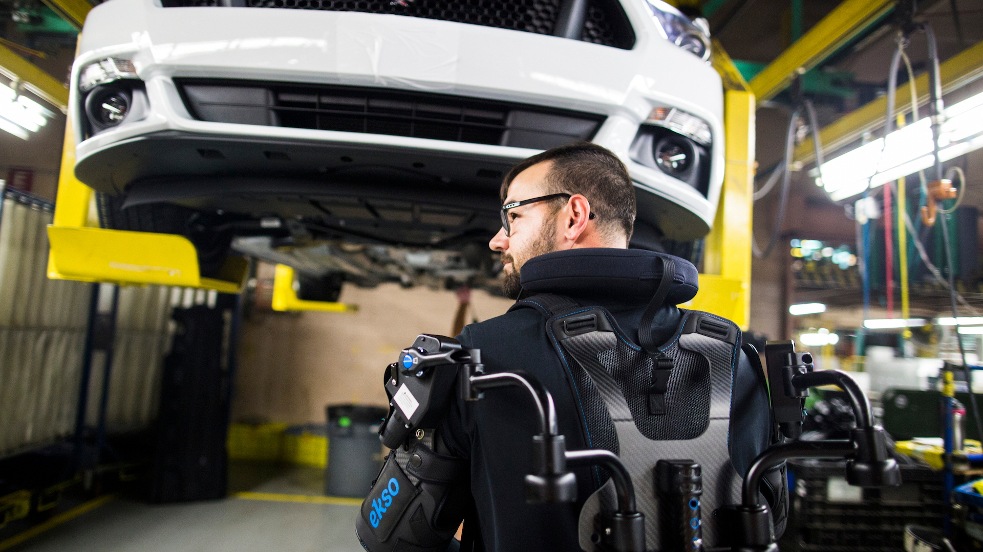 Ford EksoVest to reduce worker fatigue and lessen injury