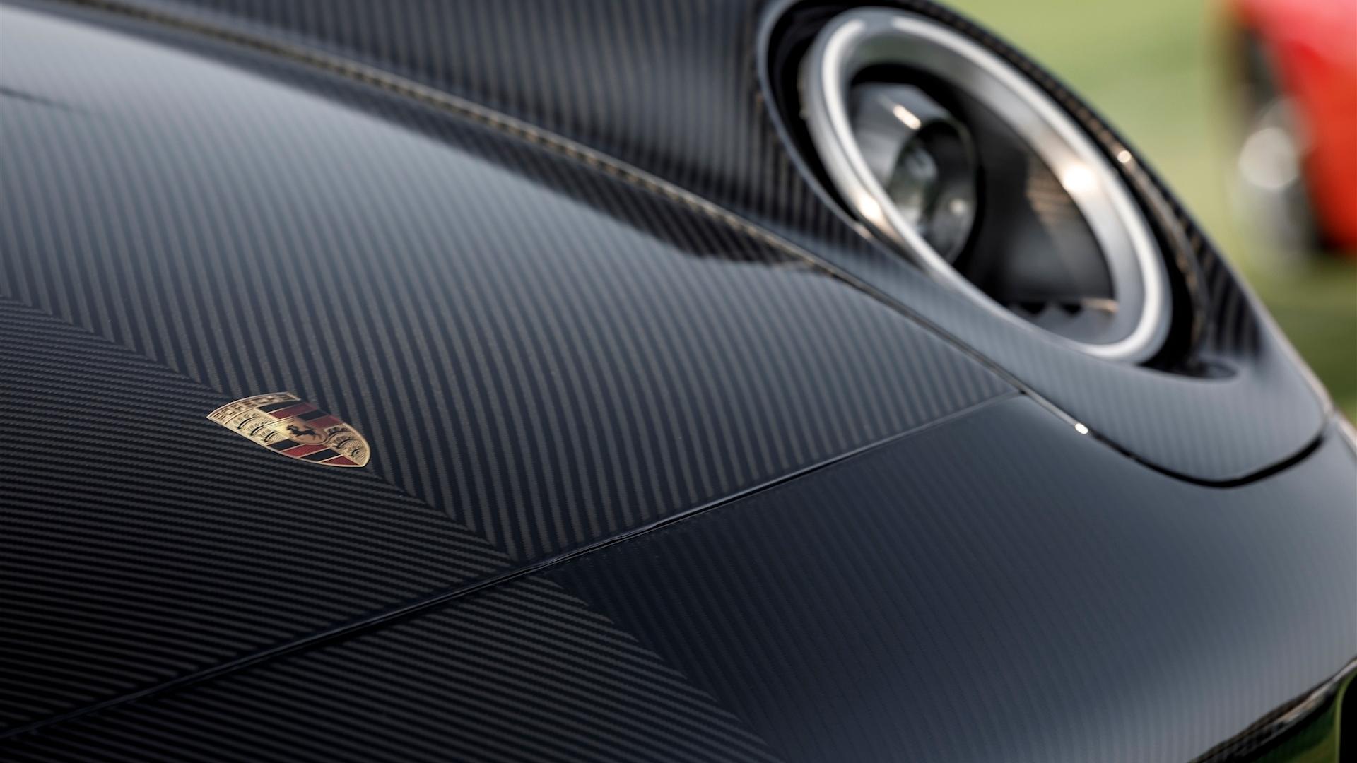 Gunther Werks carbon-fiber Porsche 993 911 body