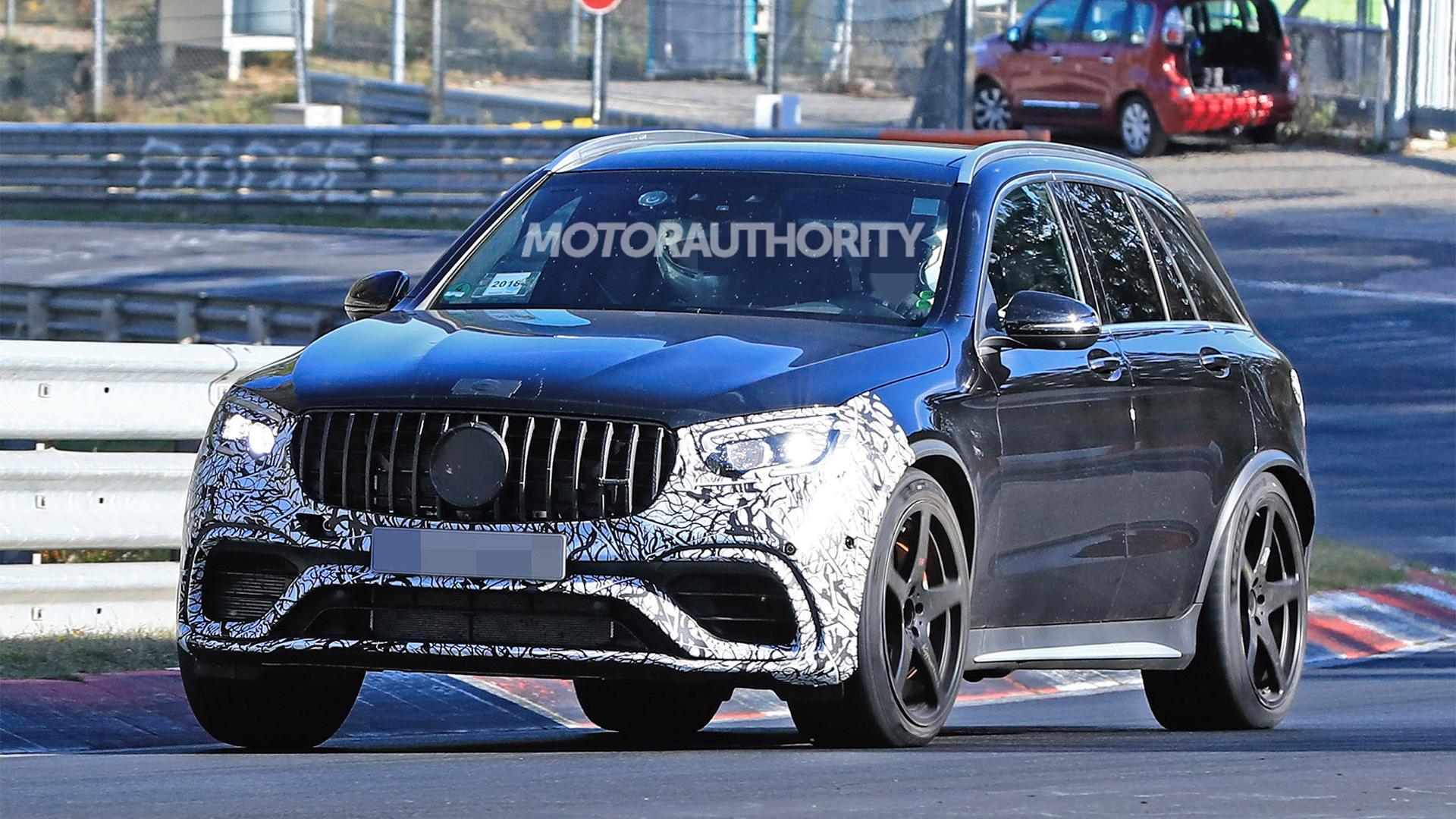 2020 Mercedes-AMG GLC63 facelift spy shots - Image via S. Baldauf/SB-Medien