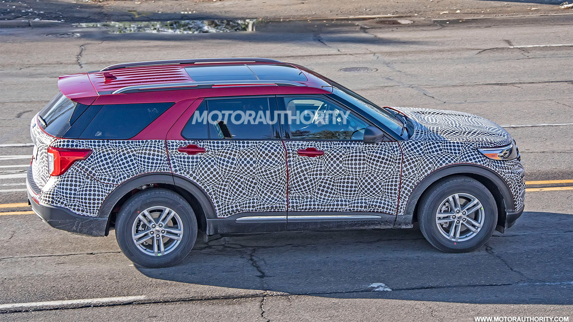 2020 Ford Explorer spy shots - Image via S. Baldauf/SB-Medien