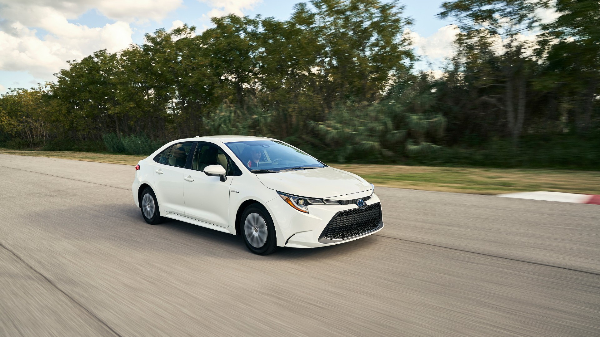 2020 toyota corolla hybrid aims for 50 mpg prius tech meets frugal mainstream 2020 toyota corolla hybrid aims for 50