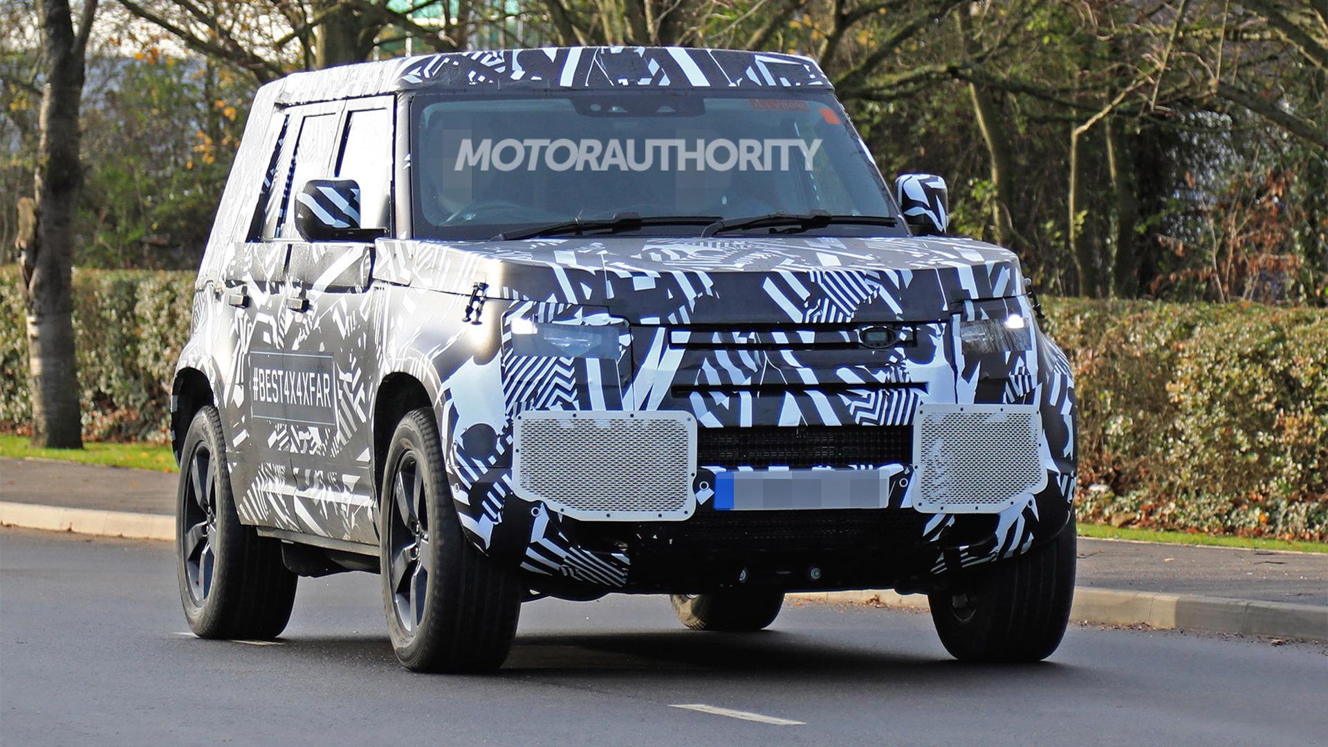 2021 Land Rover Defender spy shots - Image via S. Baldauf/SB-Medien