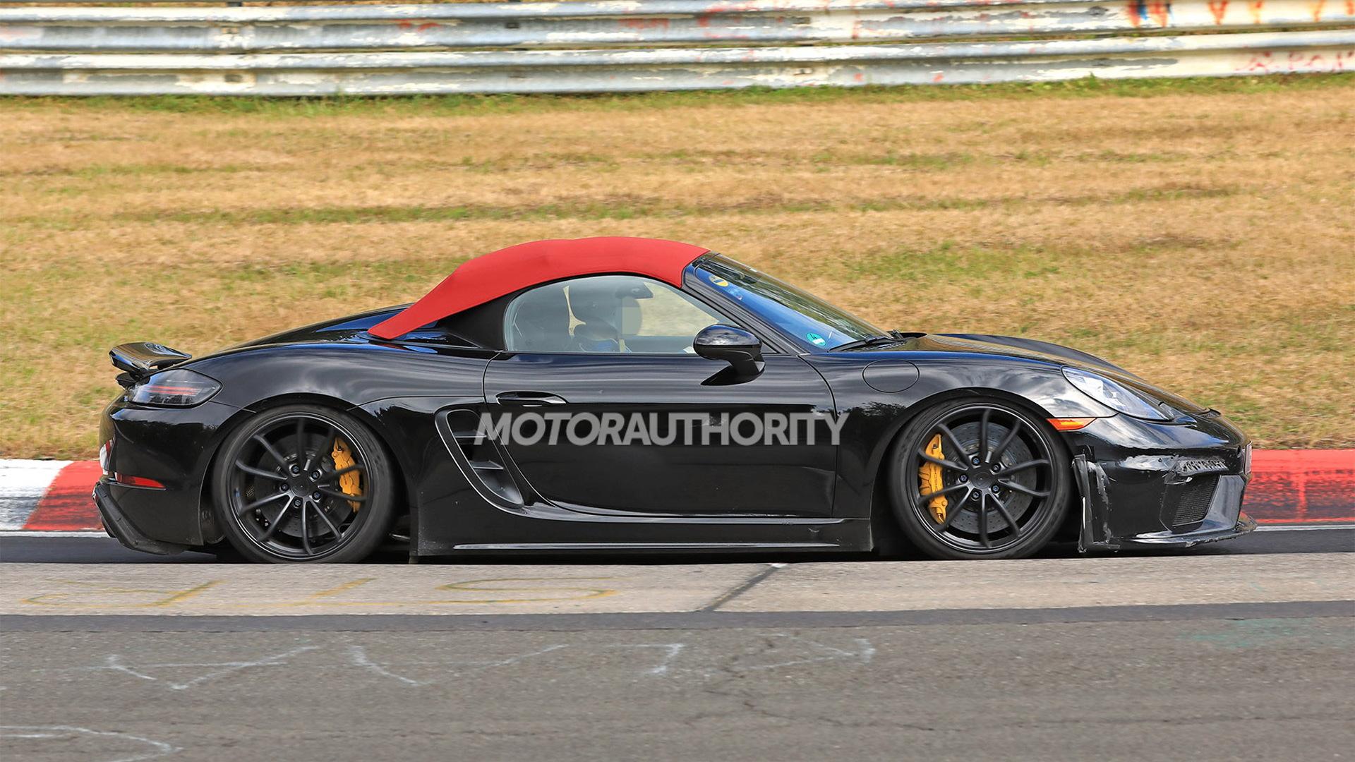 2020 Porsche 718 Boxster Spyder spy shots - Image via S. Baldauf/SB-Medien