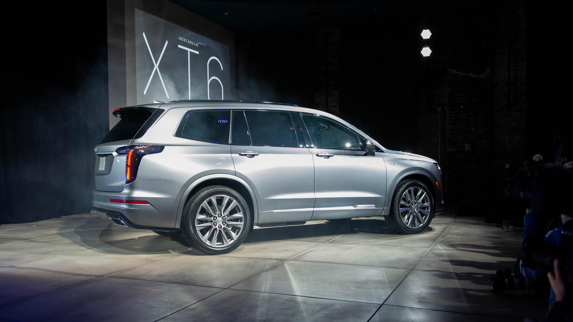 2020 Cadillac XT6 luxury three-row crossover first look ...