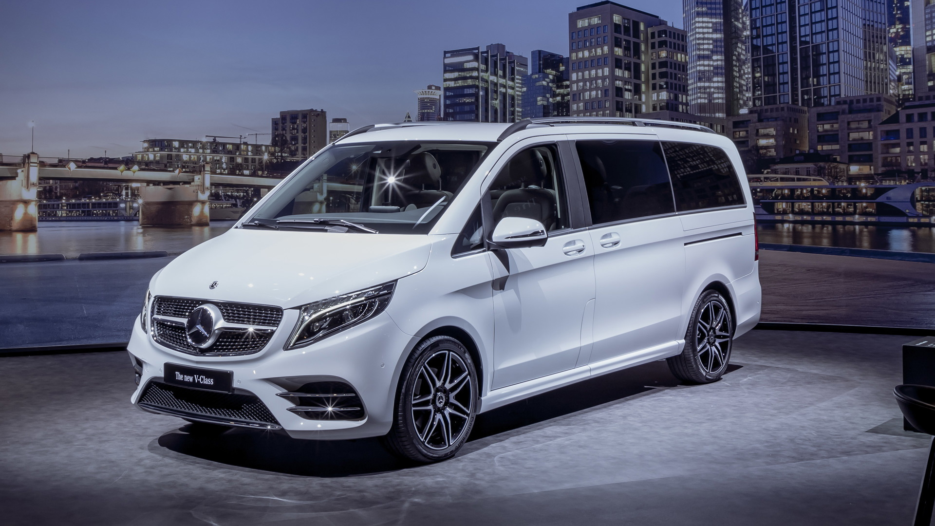 2019 mercedes benz v class hints at updates for metris van. Black Bedroom Furniture Sets. Home Design Ideas