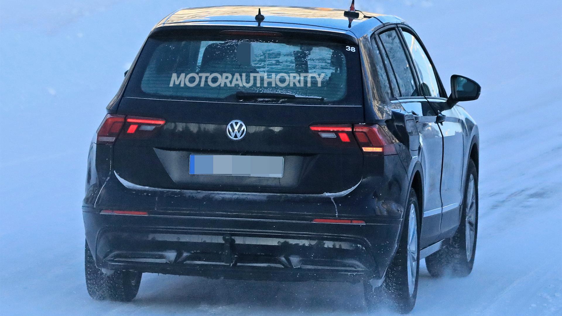 2021 Volkswagen ID Crozz test mule spy shots - Image via S. Baldauf/SB-Medien