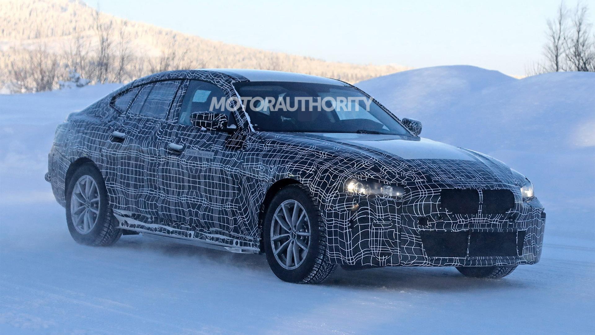 2022 BMW i4 spy shots - Image via S. Baldauf/SB-Medien