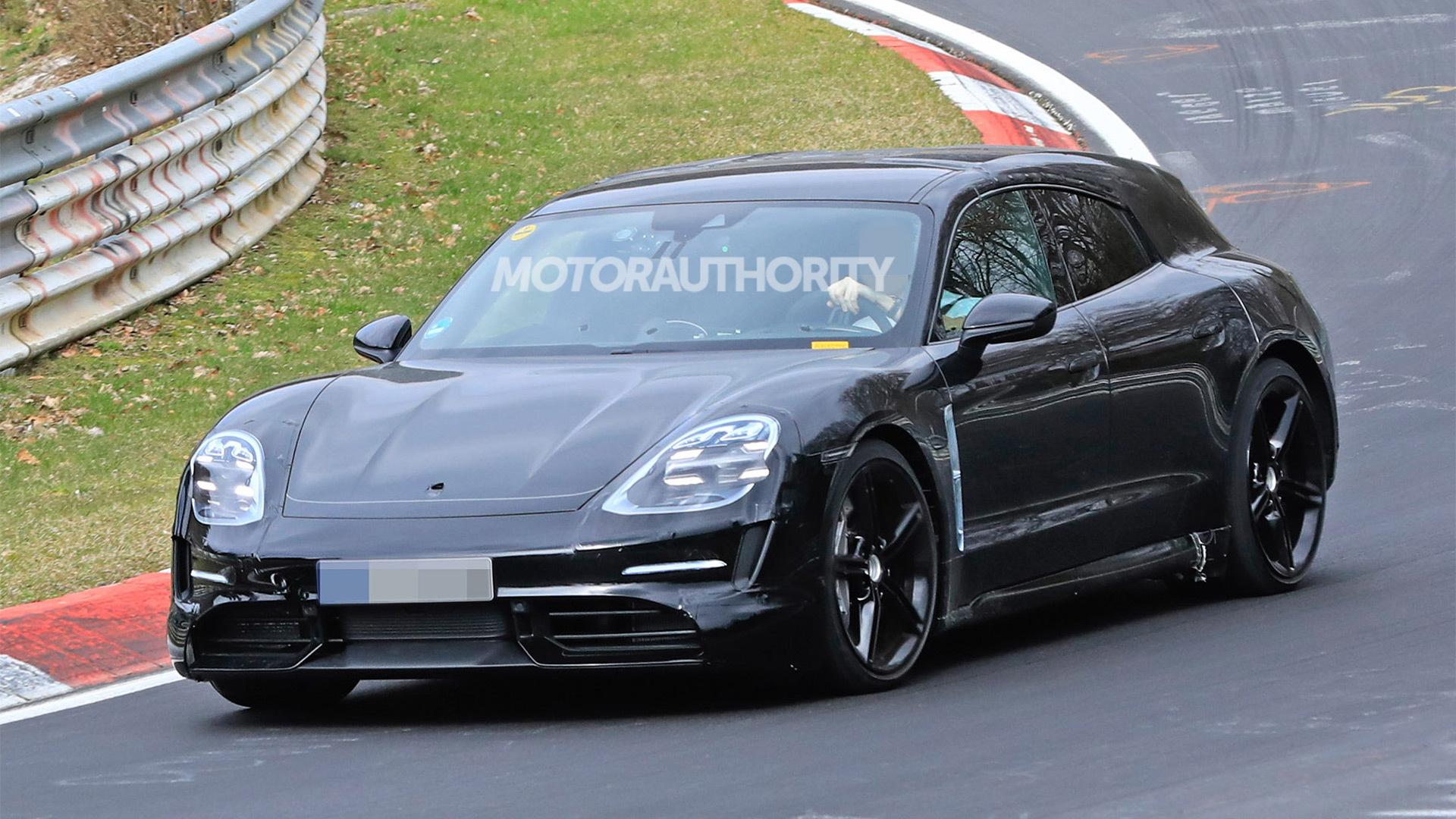 2021 Porsche Taycan Cross Turismo spy shots - Image via S. Baldauf/SB-Medien