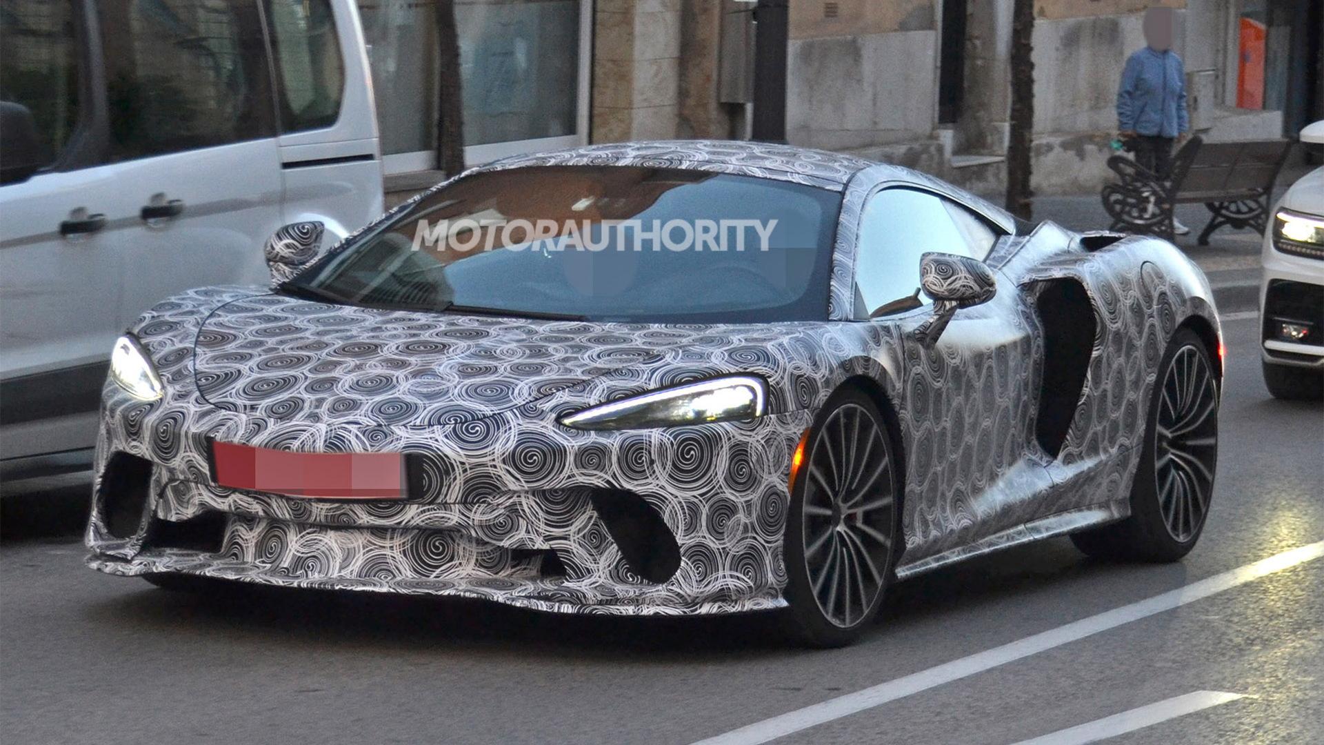 2020 McLaren GT supercar spy shots - Image via S. Baldauf/SB-Medien