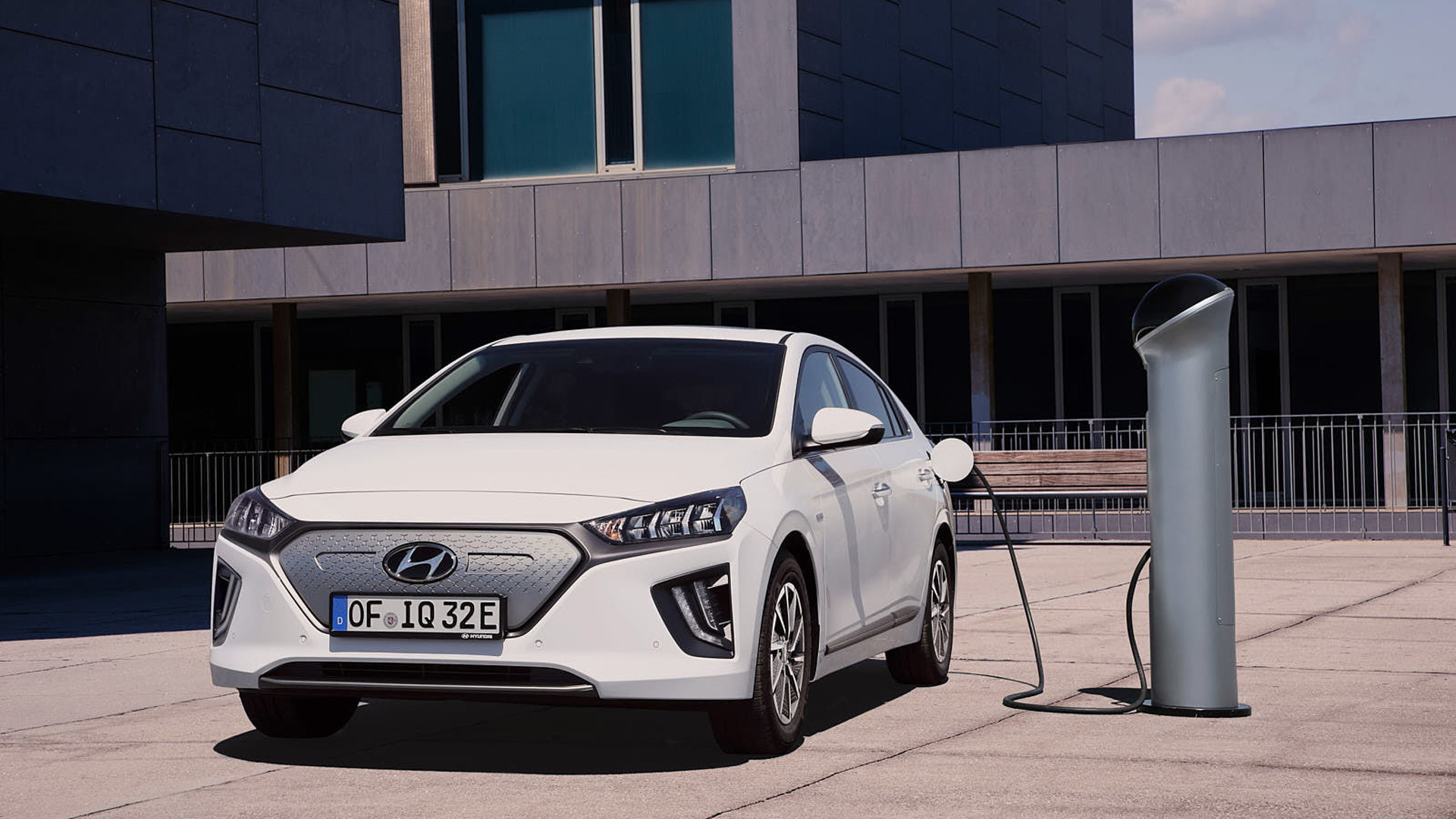 2020 Hyundai Ioniq Electric (European spec)