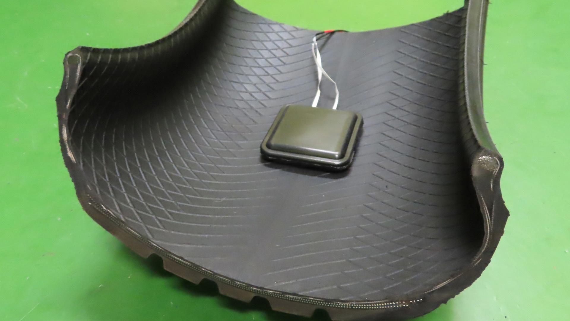 Sumitomo electricity-generating tire concept