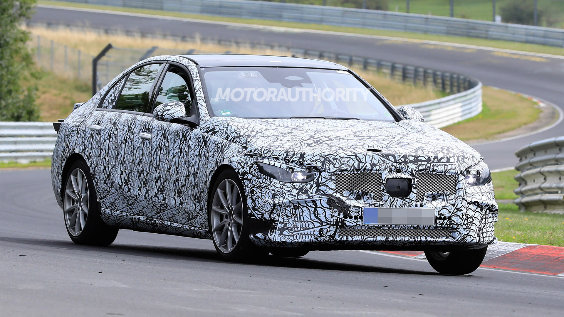 2021 Mercedes-Benz C-Class spy shots - Photo credit: S. Baldauf/SB-Medien