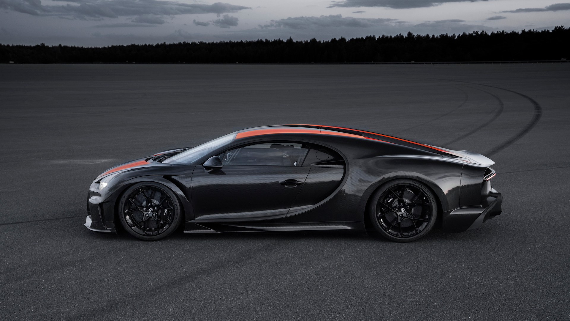 Bugatti Chiron production prototype derivative hits 300 mph