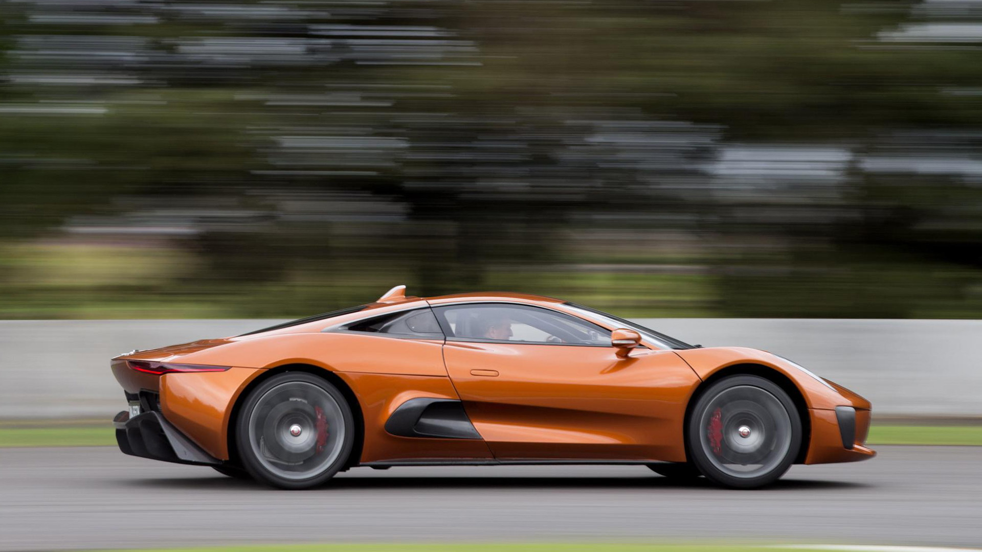 "Jaguar C-X75 built for filming of ""Spectre"""