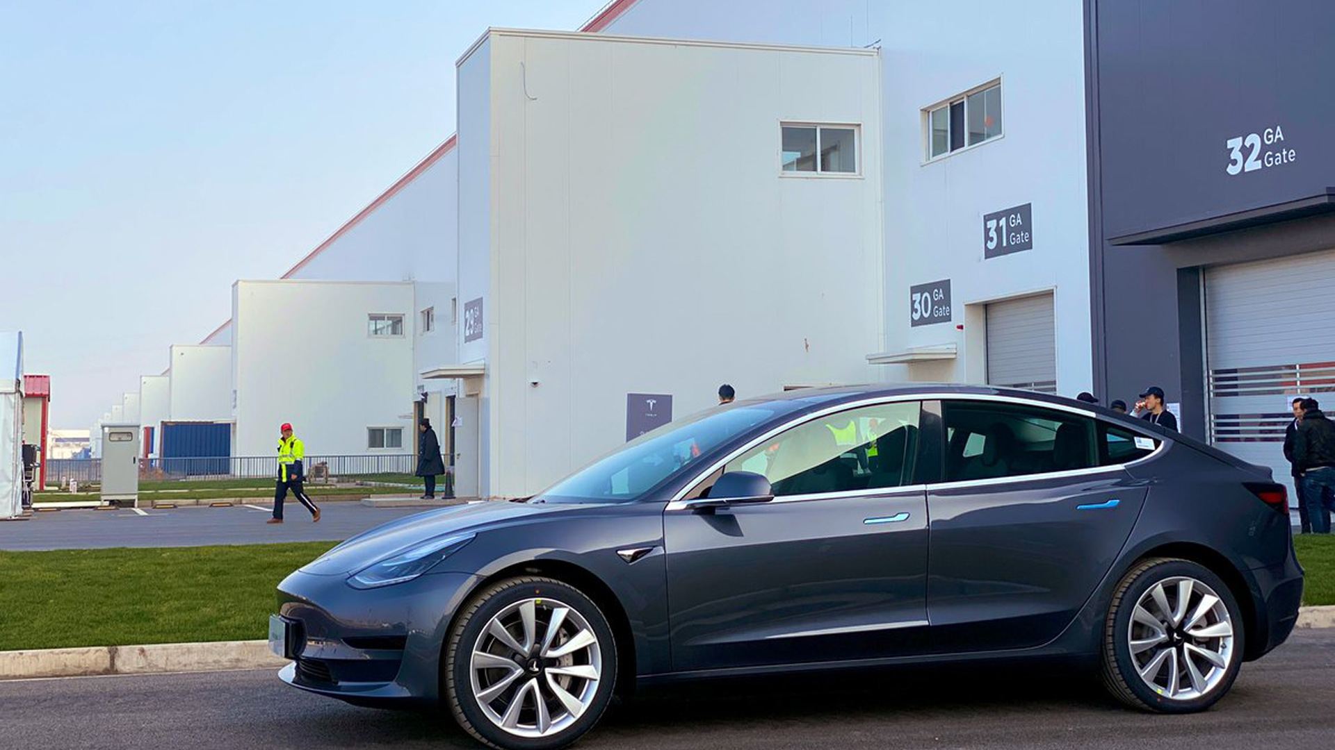 Tesla starts delivery of Chinese-made Model 3 sedans on December 30, 2019