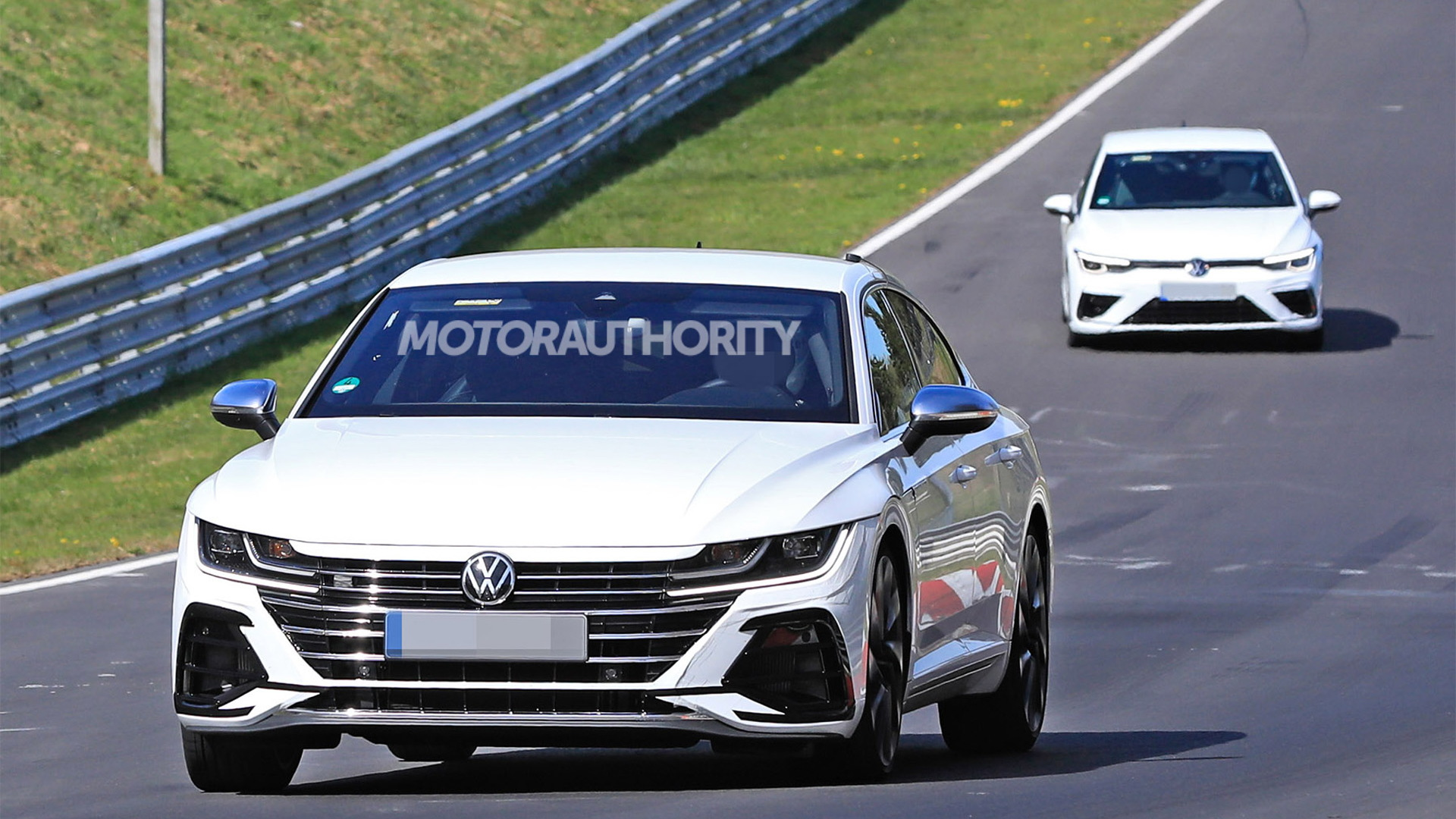 2021 Volkswagen Arteon R spy shots - Photo credit: S. Baldauf/SB-Medien