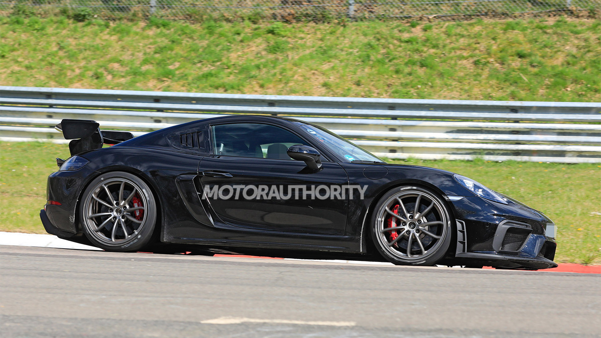 2021 Porsche 718 Cayman GT4 RS spy shots - Photo credit: S. Baldauf/SB-Medien