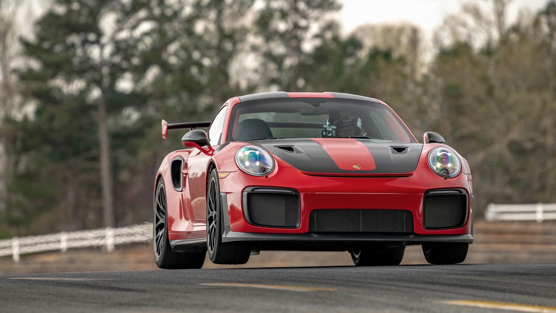 Porsche 911 GT2 RS (991)