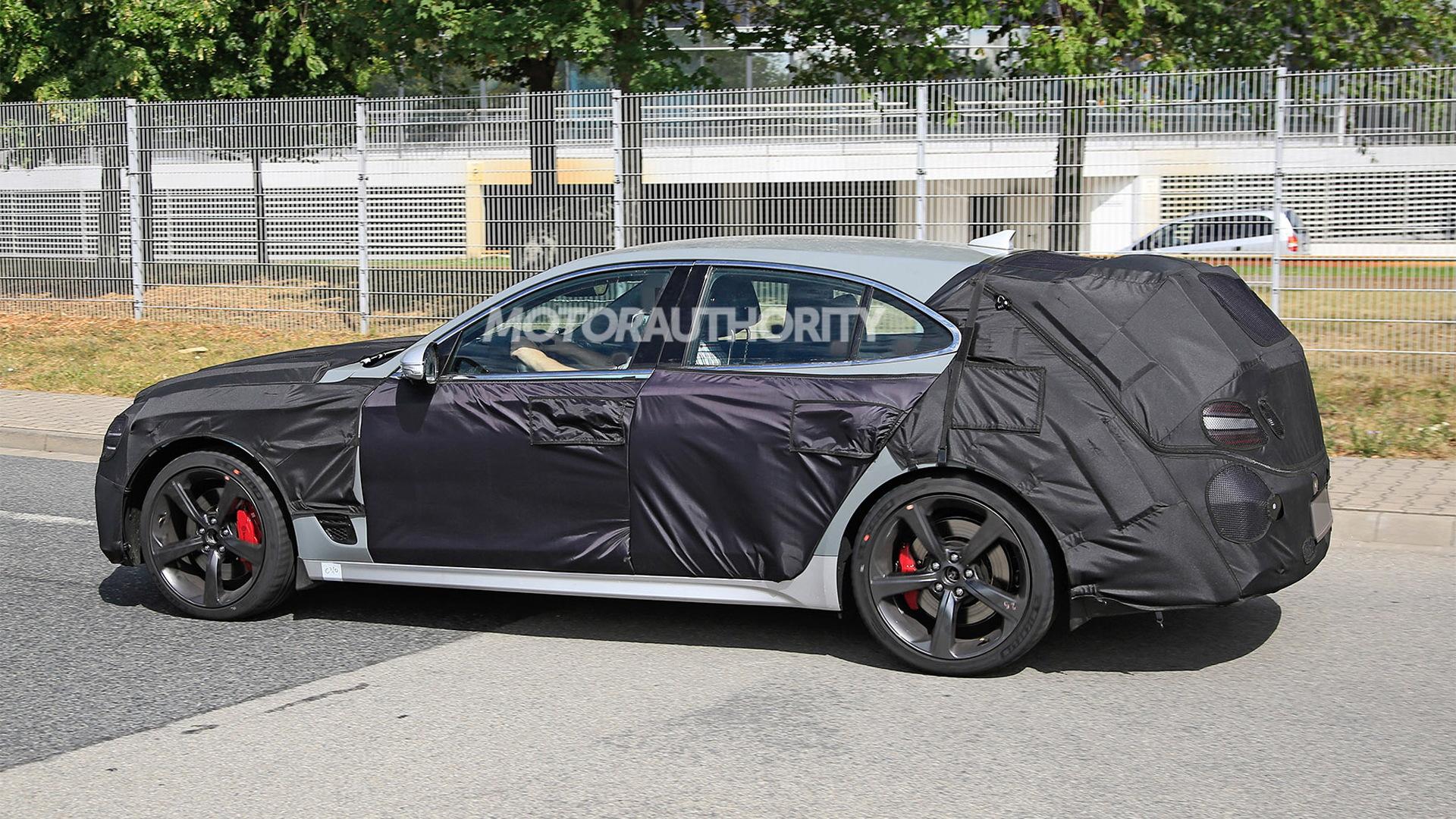 2022 Genesis G70 wagon spy shots - Photo credit:S. Baldauf/SB-Medien