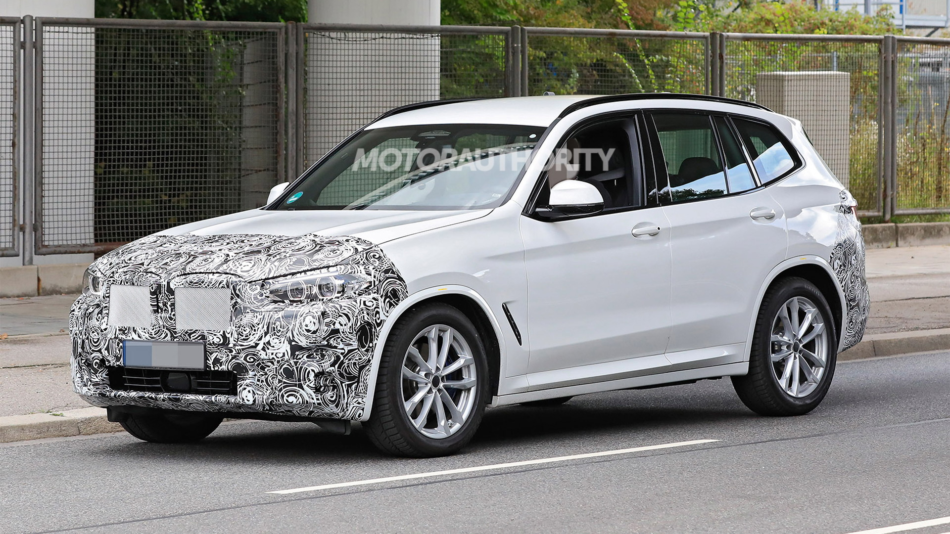 2022 BMW X3 facelift spy shots - Photo credit:S. Baldauf/SB-Medien