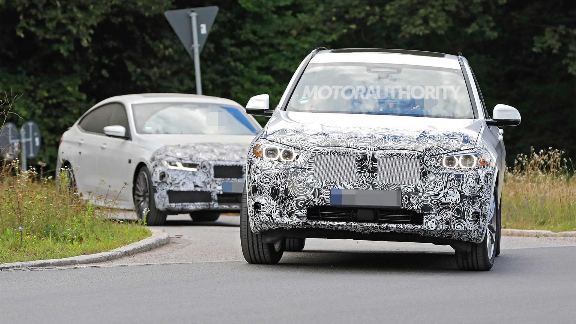 2022 BMW X3 facelift spy shots - Photo credit: S. Baldauf/SB-Medien