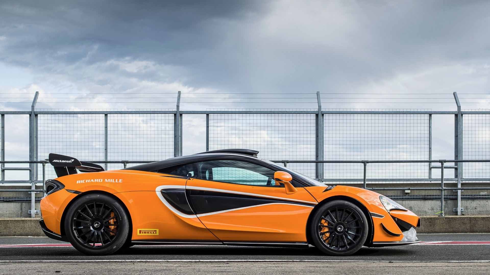 McLaren 620R with MSO R Pack