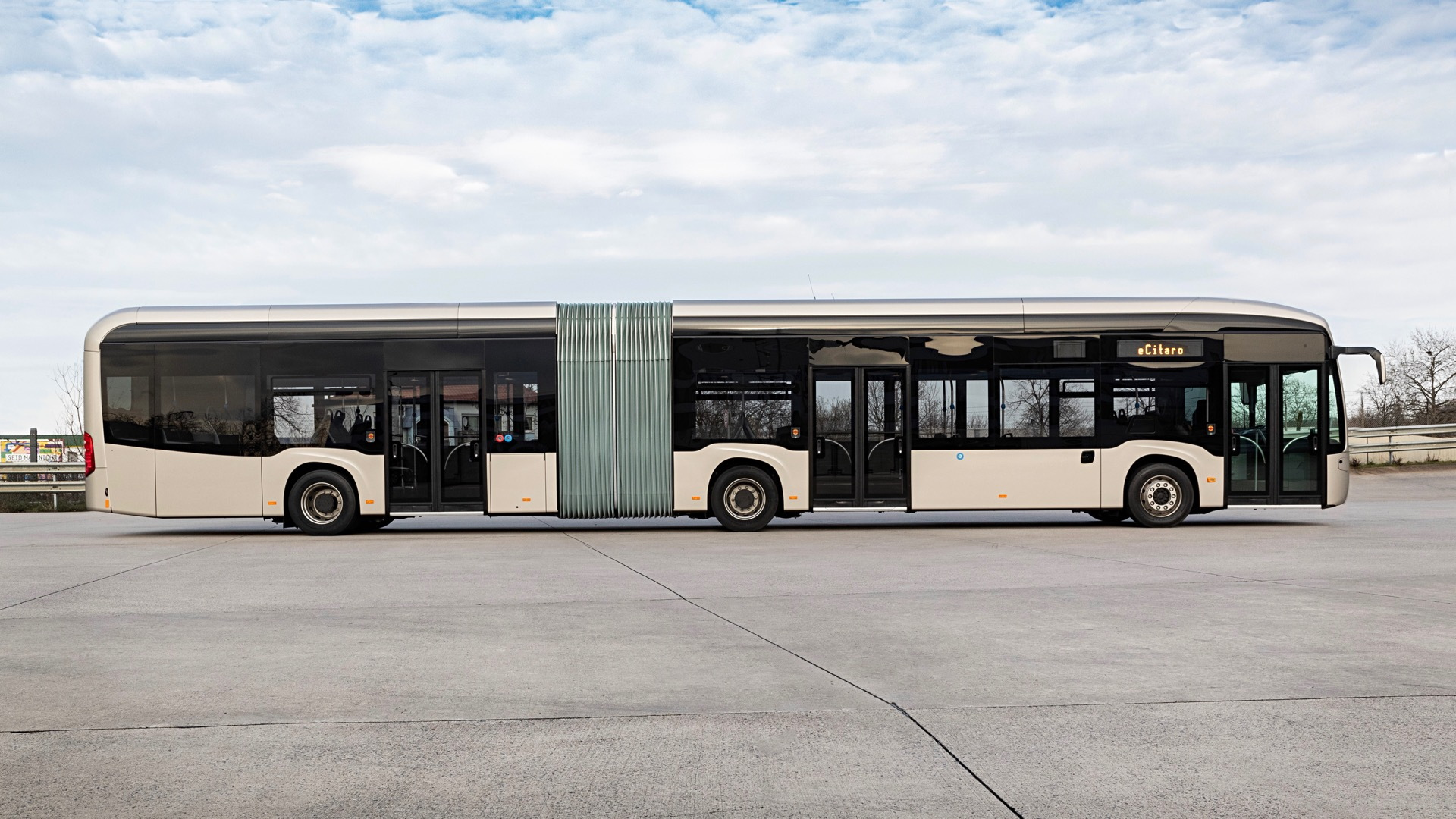 Mercedes-Benz eCitaro G electric bus