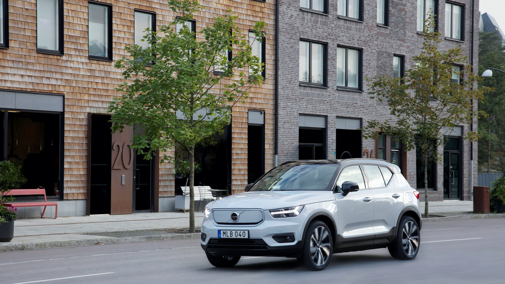 2021 Volvo XC40 Recharge electric SUV production begins ...